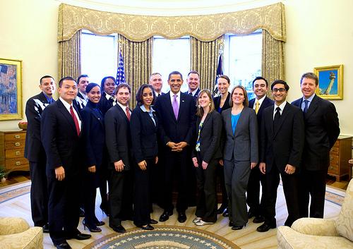 2009-2010届白宫学者与总统奥巴马的集体留影