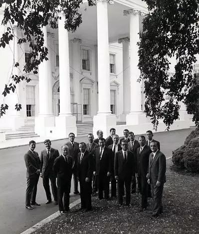 第一届白宫学者留影 (照片来自:白宫学者基金及联谊会)